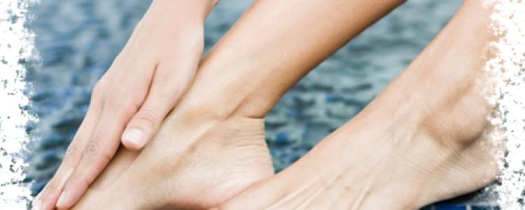 К чему чешутся ноги — зуд правой и левой ноги