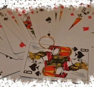 Гадание на суженого на игральных картах в домашних условиях