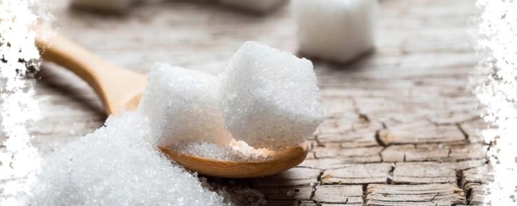 Рассыпать сахар на стол или на пол — к чему эта примета?