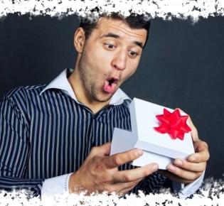 Что нельзя дарить мужчине — современные приметы и суеверия