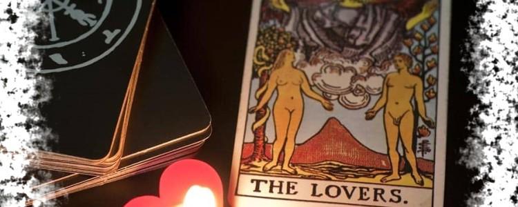 Гадание на картах Таро на любовь и отношения