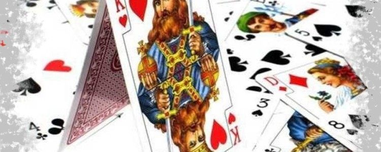 Гадание на короля на игральных картах в домашних условиях