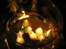 Как снять порчу восковой свечой