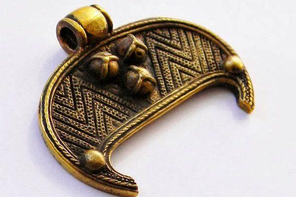 Значение оберега лунницы у древних славян