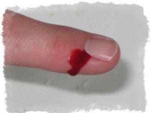 Примета: порезать палец ножом