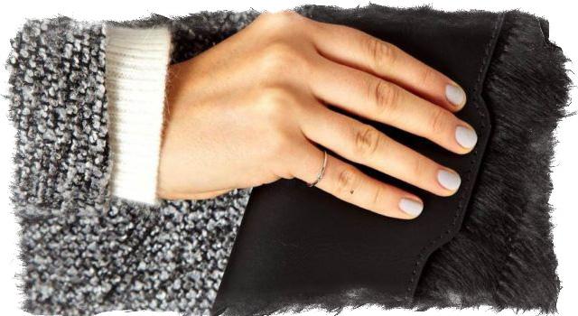 Что означает родинка на мизинце руки — общее толкование